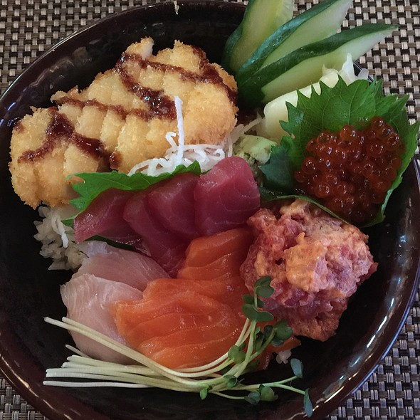 Uncle 39 s fish market grill sushi bowl foodspotting for Uncle s fish market and grill