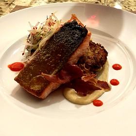 Chinook Salmon With Quinoa Cakes
