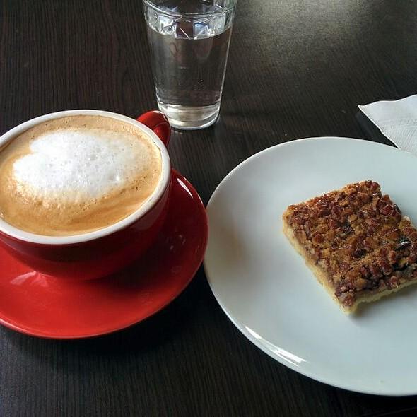 Latte @ Café Latitude Zéro
