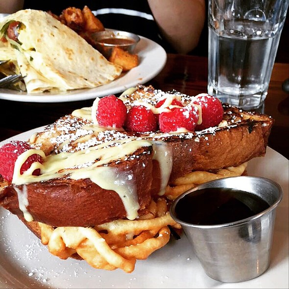 Funnel Cake French Toast @ Hawthornes