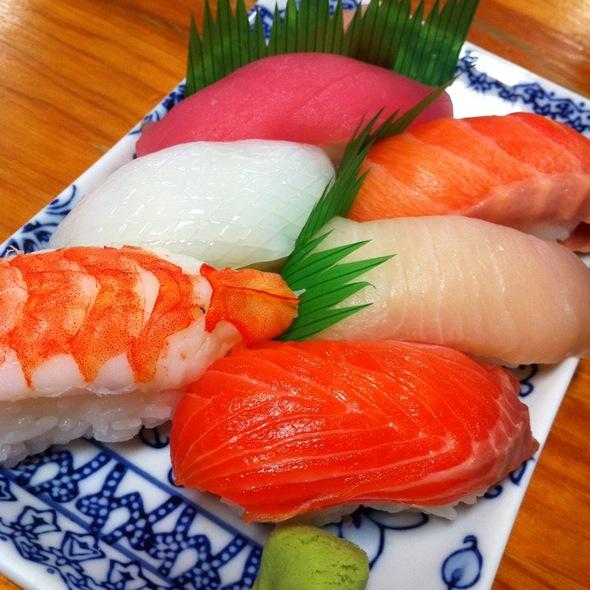 Sashimi Sushi @ Yamasakura