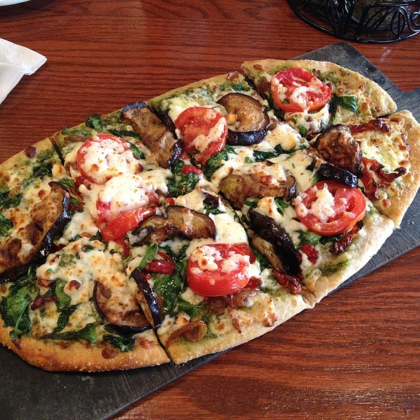 Roasted Eggplant, Spinach And Feta Flatbread @ Uno Grill