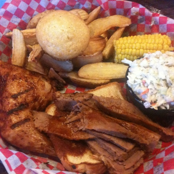 BBQ Brisket And Roasted Chicken @ Famous Daves Bbq