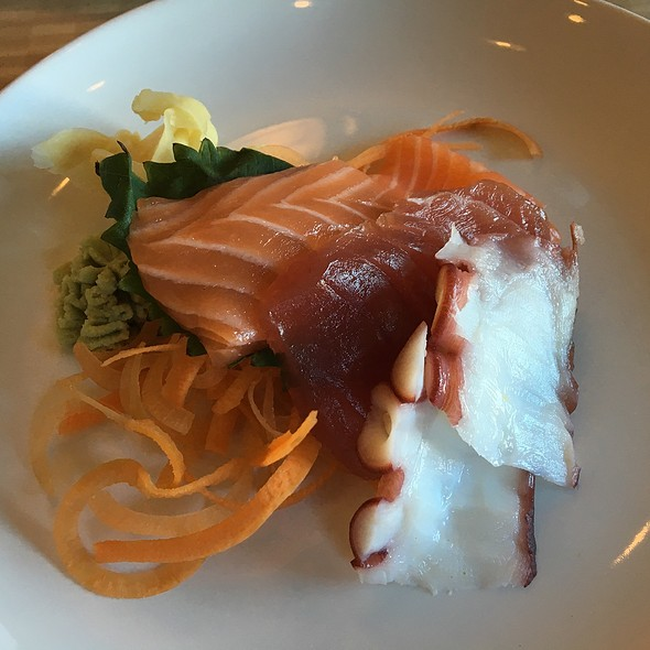 Sashimi - Screaming Tuna, Milwaukee, WI