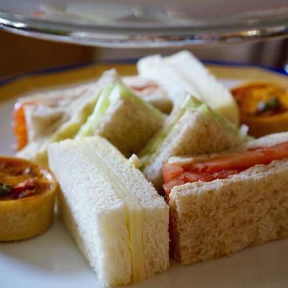 Finger sandwiches and broccoli, tomato cheese tart @ The Peninsula Hong Kong