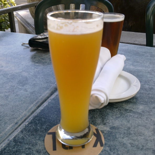Windansea Wheat Hefeweizen @ Karl Strauss Brewing Co