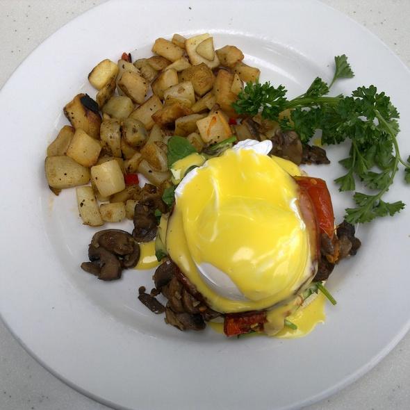 Eggs La Jolla @ Cottage The
