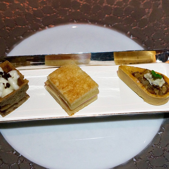 Canapés – olive waffles, parmesan mousse; ham and cheese sandwich; mushroom walnut tart