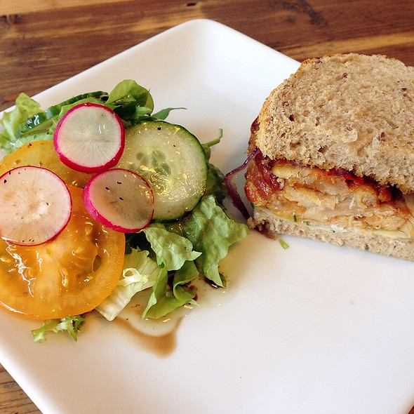 Panino Pollo (Grilled Chicken Panini) @ Zoet En Zout