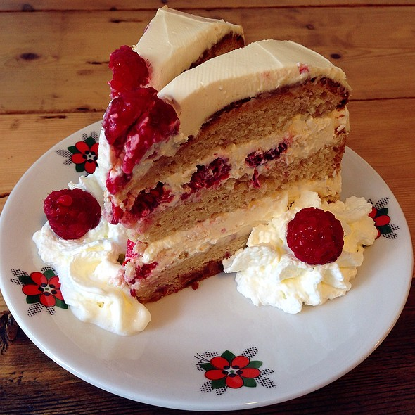 Raspberry Layered Cake @ Zoet En Zout