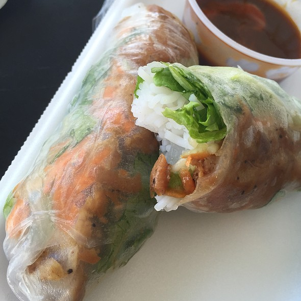 Chicken Spring Rolls @ Les Givral's Sandwich and Cafe