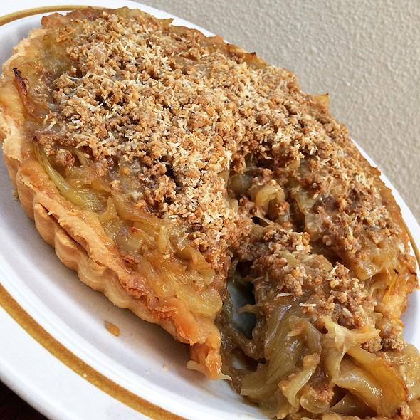 HAFH - Caramelised Onion Tart with Walnut and Grana Padano Crust ...