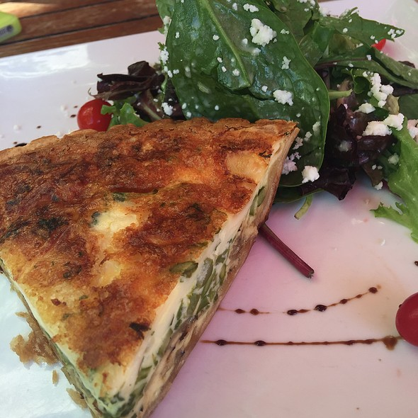 Asparagus Quiche + Mixed Green Salad @ Clasico Cafe • Bar
