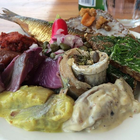 Herring Buffet @ Restaurant Nyhavns Færgekro