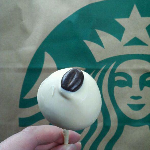 Tiramisu Cake Pop @ Starbucks