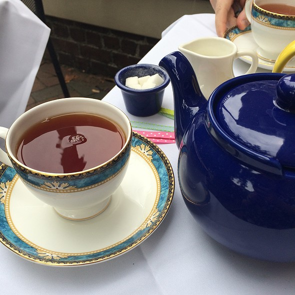 Buckingham Palace Garden Party Tea - Reynolds Tavern, Annapolis, MD