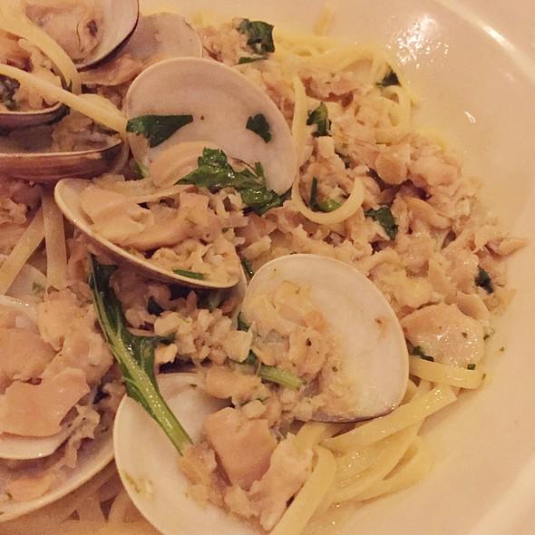 Linguine and clams - Maggiano's - Boston, Boston, MA