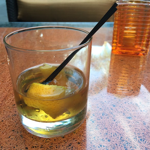 Ginger Saz Cocktail @ Tangerine Grill & Patio / Old Concept