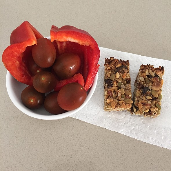 1/2 Capsicum, Cherry Tomatos And Homemade Nut Bars