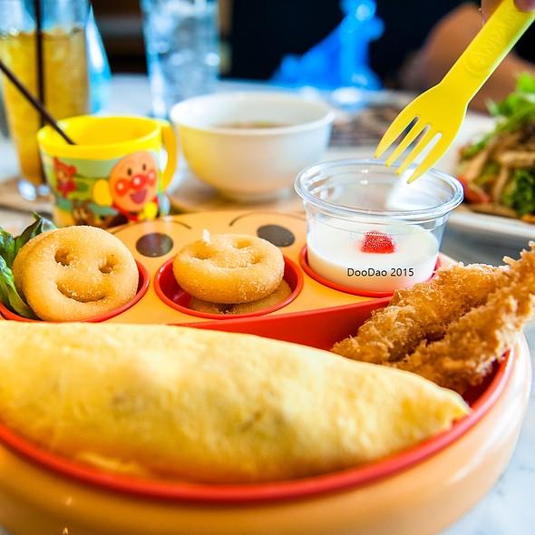 Anpanman Omurice   ข้าวห่อไข่อันปังแมน @ Omu Japanese omurice & cafe