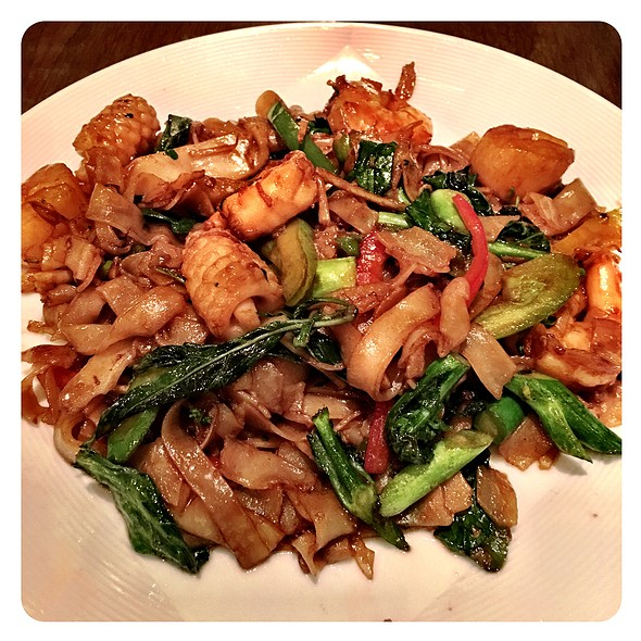 Drunken Noodles with Seafood @ Lemongrass (Aria)