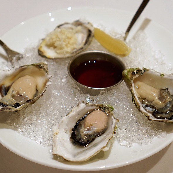Oysters @ Bearfoot Bistro