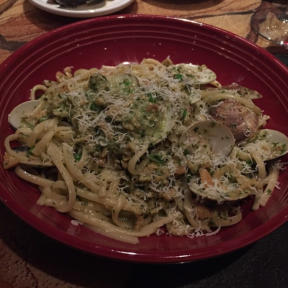 Fettuccine With Clam Sauce