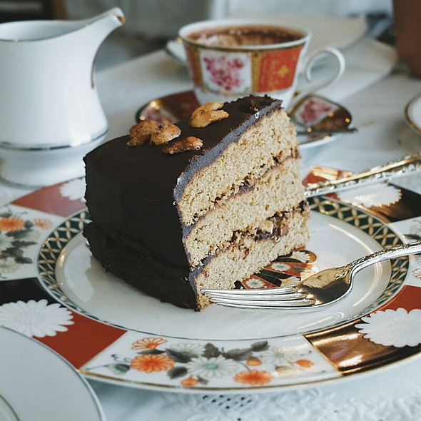 Chocolate Banana Cake With Mocha Filling
