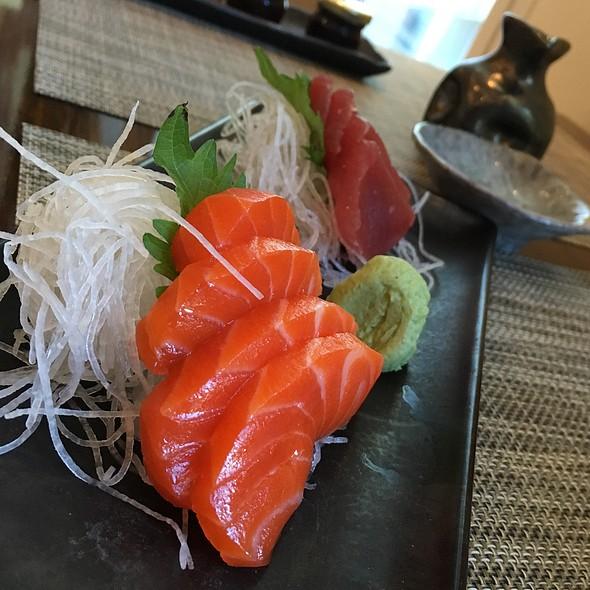 Salmon & Tuna Sashimi - MOzen Bistro - Mandarin Oriental, Las Vegas, Las Vegas, NV