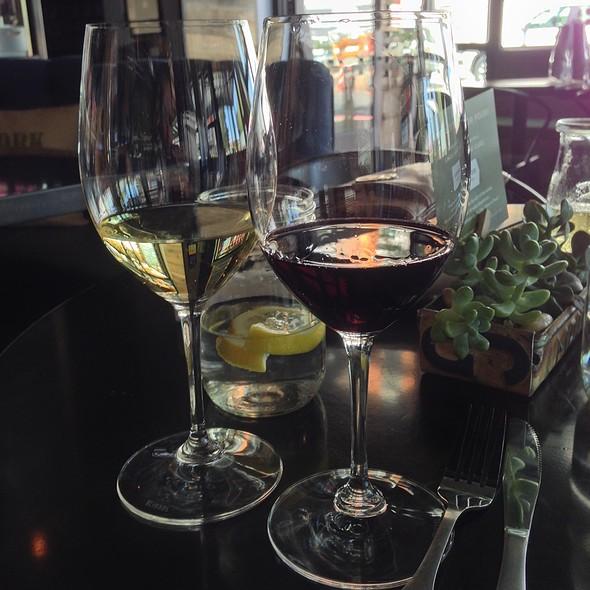 Malbec & Chardonnay @ Sorso Wine Room