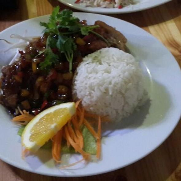 Ente @ Thai Restaurant Lek's-Bistro-Bar