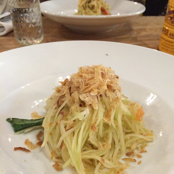 Green Papaya Salad @ Pig And The Lady