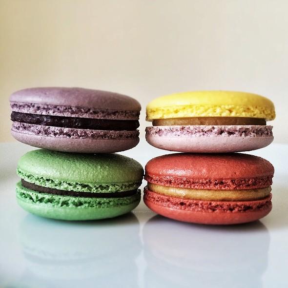 Macarons @ ICI Macarons & Cafe