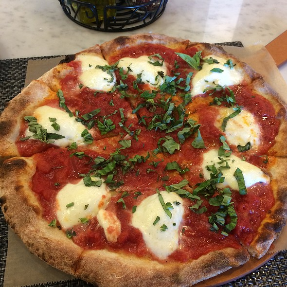 Pizza Margherita @ True Crafted Pizza