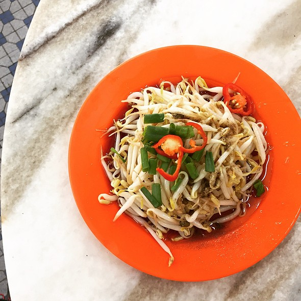 Beansprouts @ Restoran Lou Wong Tauge Ayam KueTiau (老黄芽菜鸡沙河粉)