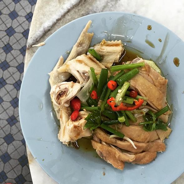 Poached Chicken @ Restoran Lou Wong Tauge Ayam KueTiau (老黄芽菜鸡沙河粉)