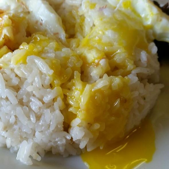 Garlic Rice And Egg