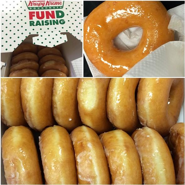 Glazed Donuts @ Krispy Kreme Doughnuts