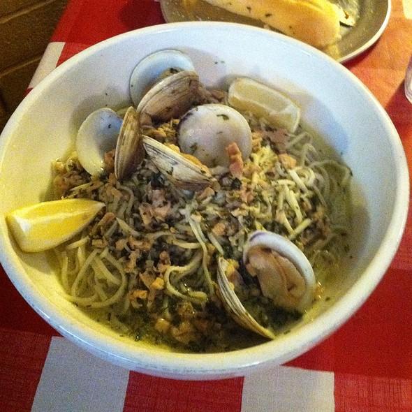 Pasta Linguini With Clam Sauce - Mama Louisa's Italian Restaurant, Tucson, AZ