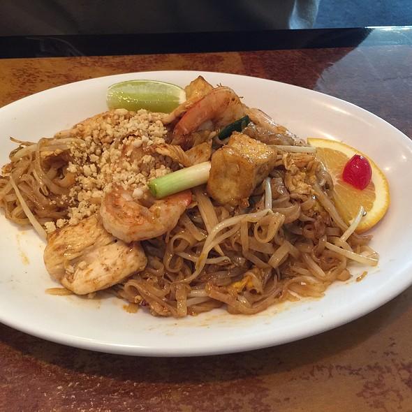 Chicken Phad Thai