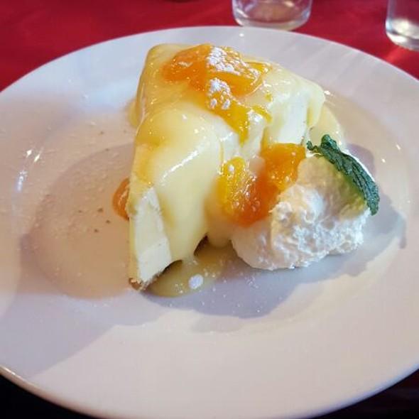 Yummy Lemon Parfait Pie