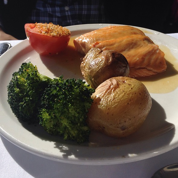 Salmon and Veggies - Skylon Tower Revolving Dining Room, Niagara Falls, ON