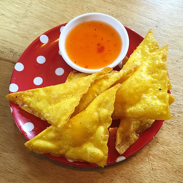 Fried Wonton With Cheese Filling