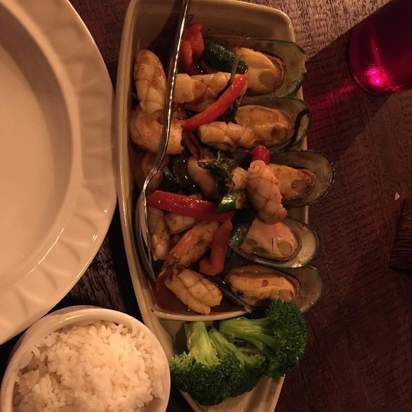 Pho-Tak Seafood Soup