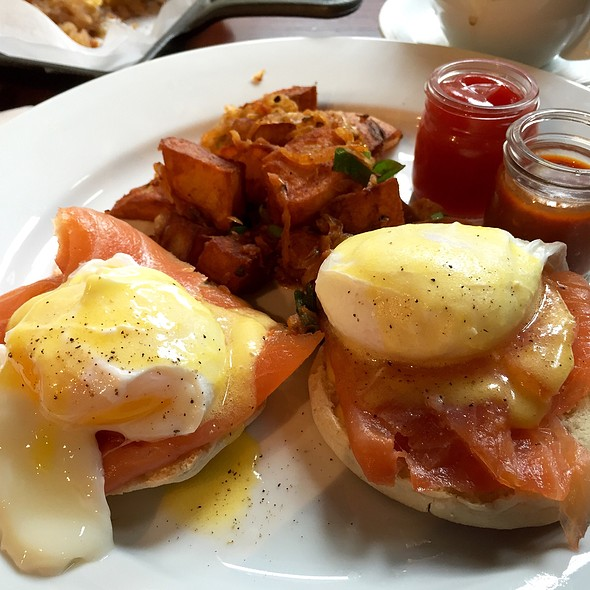 Eggs Bennie w/smoked salmon @ Friend of a Farmer