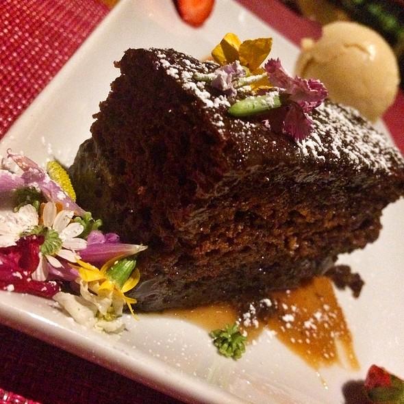 Sticky Chocolate Cake With Salted Caramel Ice Cream @ Sumo Maya