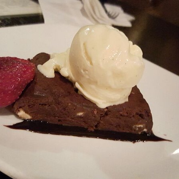 Brownie a la mode @ Old Rail Brewing Co