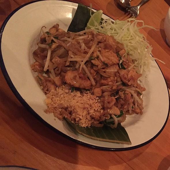 Chef Nuit Pad Thai @ Pai Toronto