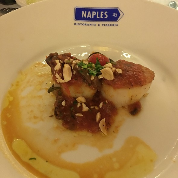 Jumbo Sea Scallops - Naples 45 Ristorante E Pizzeria, New York, NY