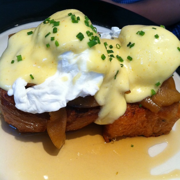 French Toast Benedict @ Noho Star